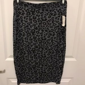 Old Navy leopard skirt NWT